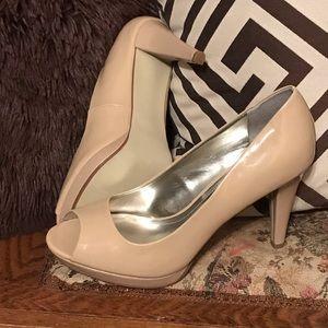 Light Carmel heels